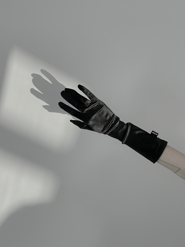 [mnem] made satin gloves